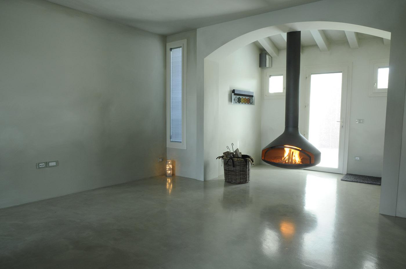 Pavimenti sottili effetto resina parquet pietra leef - Pavimenti per interni moderni ...