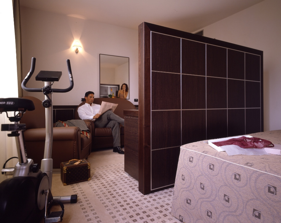 pavimento per hotel in moquette personalizzata bologna leef
